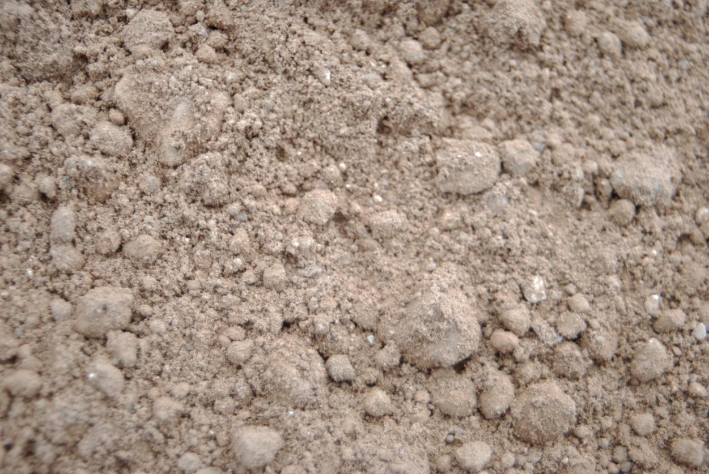terre végétale tamisée pour plantation d'arbre Aix en provence